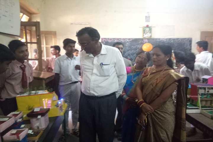 Shri Jagadguru Gangadhar High School-Science Day