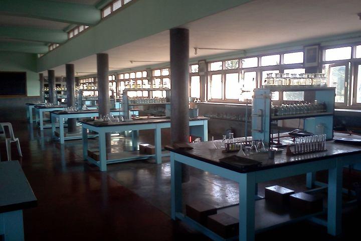 Sri Ramakrishna Vidyashala-Chemistry-Lab