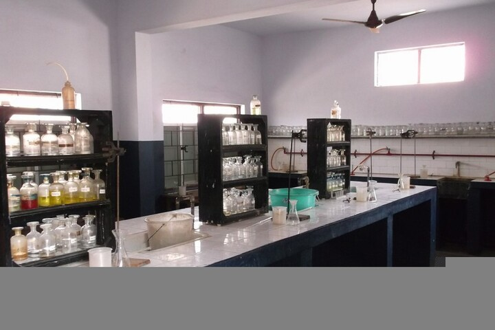 Ideal Higher Secondary School-Chemistry-Lab