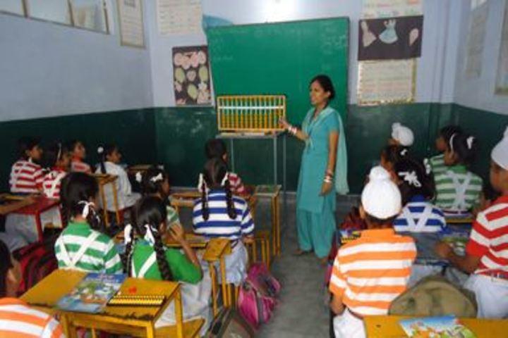 Shiksha Niketan Senior Secondary School-Classroom