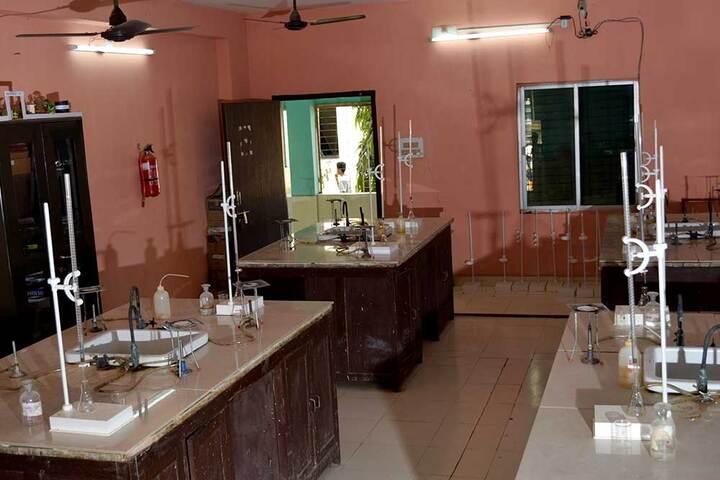 NIIS Higher Secondary School- Chemistry Lab