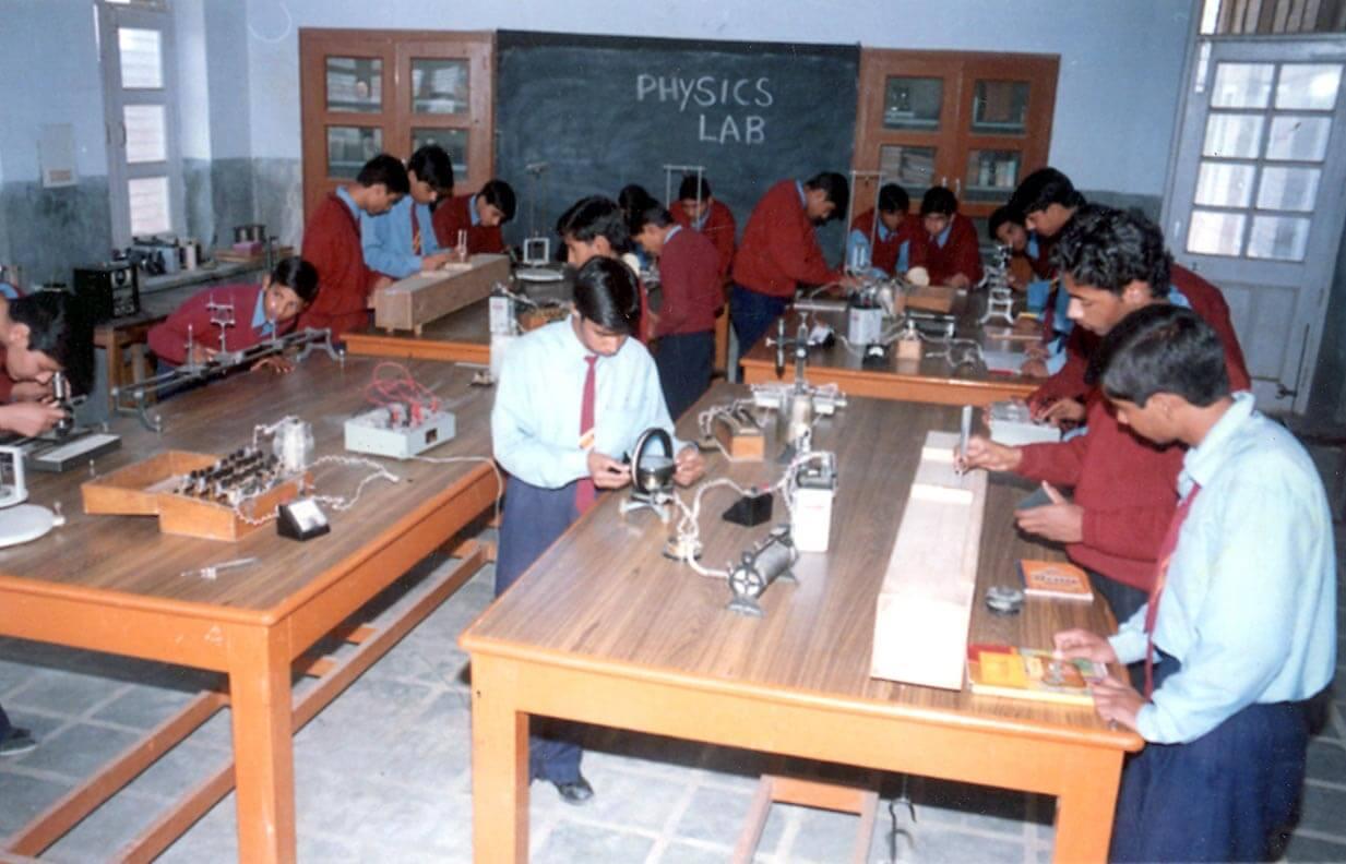 Pink Model School-Lab