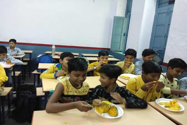 Shri Maheshwari Senior Secondary School-Mango Day