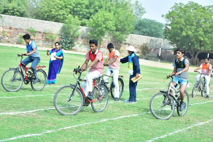 Shri Maheshwari Senior Secondary School-Sports Meet