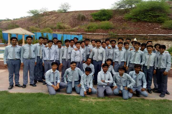 Shri Maheshwari Senior Secondary School-Students