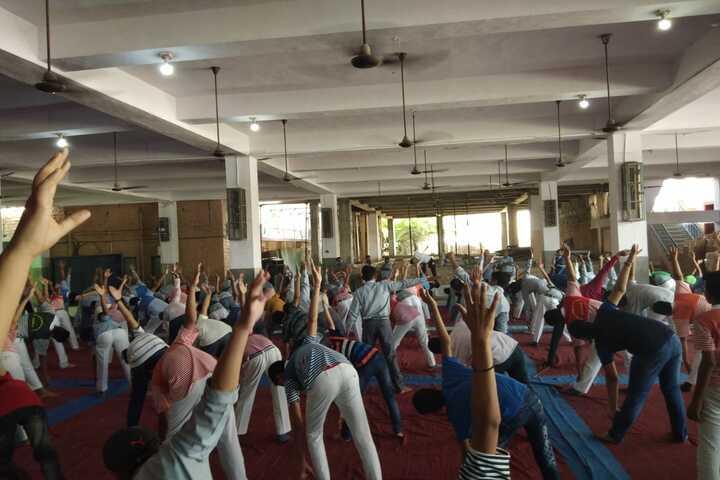 Shri Maheshwari Senior Secondary School-Yoga