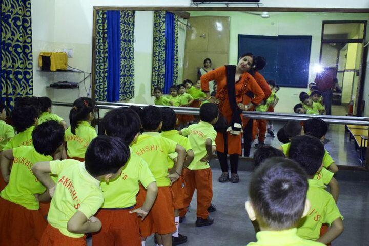 Bakhshis Springdales Upper Primary School-Dance Room