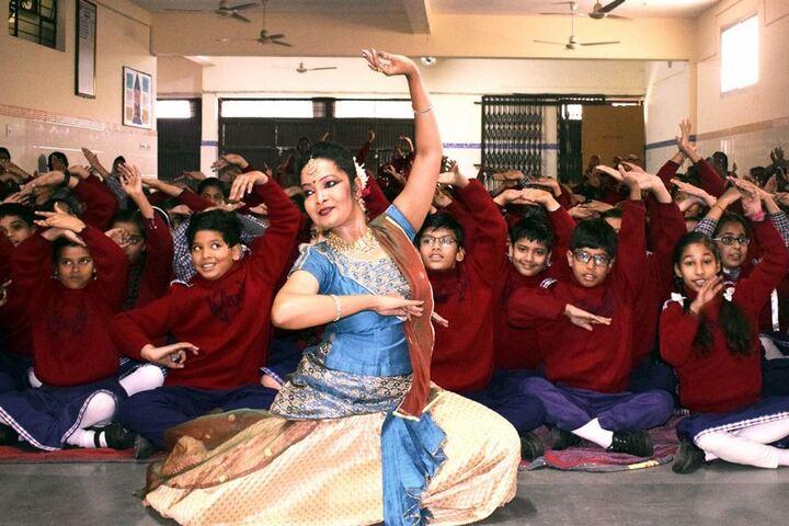 Bakhshis Springdales Upper Primary School-Dance