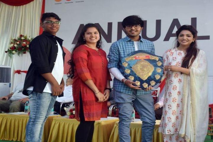 Pana PU College-Award