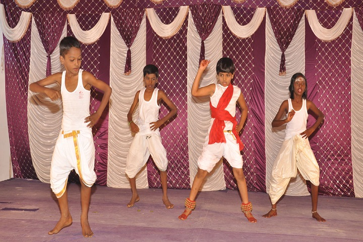 Sri Ragavendra Matriculation School-Traditional Dance