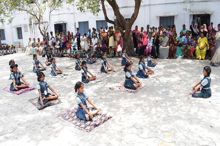 Sri Ragavendra Matriculation School-Yoga