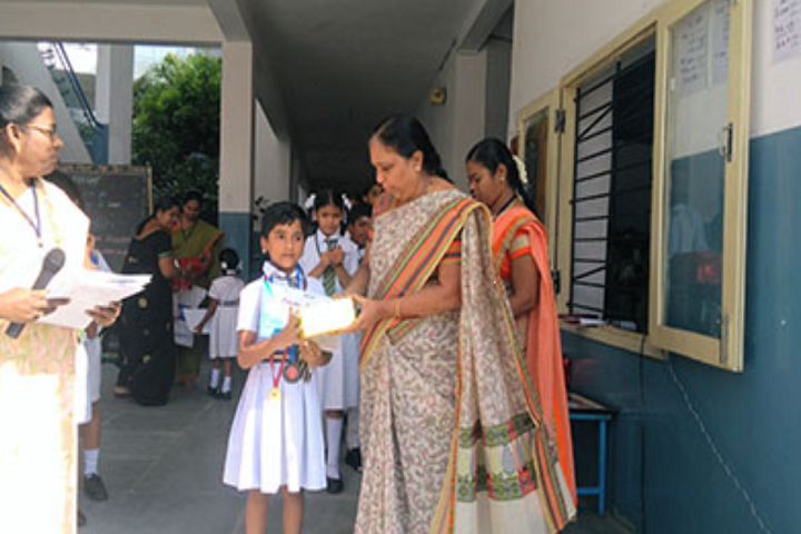 Dhanalakshmi Srinivasan Matric Higher Secondary School-Prize