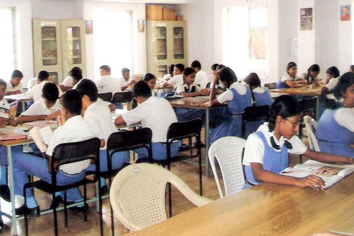 Bharathi Matriculation Higher Secondary School-Library