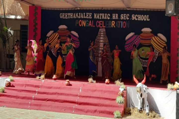 Geethanjalee Matriculation Higher Secondary School-Pongal Celebration