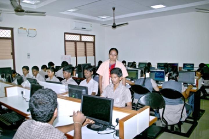 Suburban Matriculation Higher Secondary School-Computer Lab