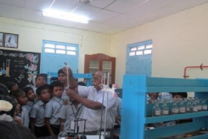 Sri Ramakrishna Mission Vidyalaya Swami Shivananda Higher Secondary School-Chemistry Lab