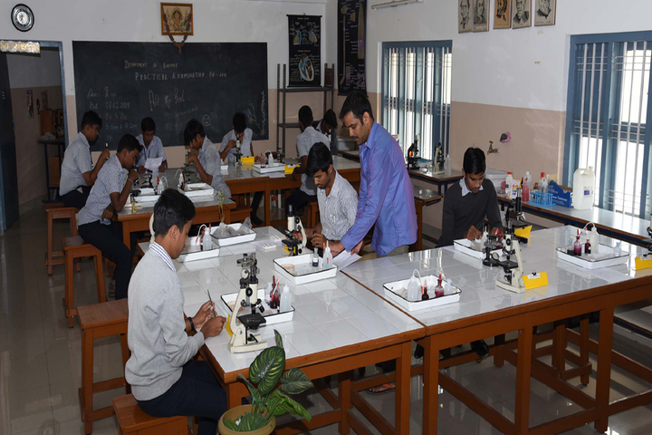 Vidyavardhaka Composite Pre University College-Physics Lab