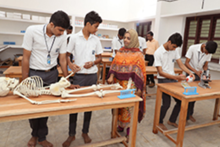PTM Higher Secondary School-Zoology Lab