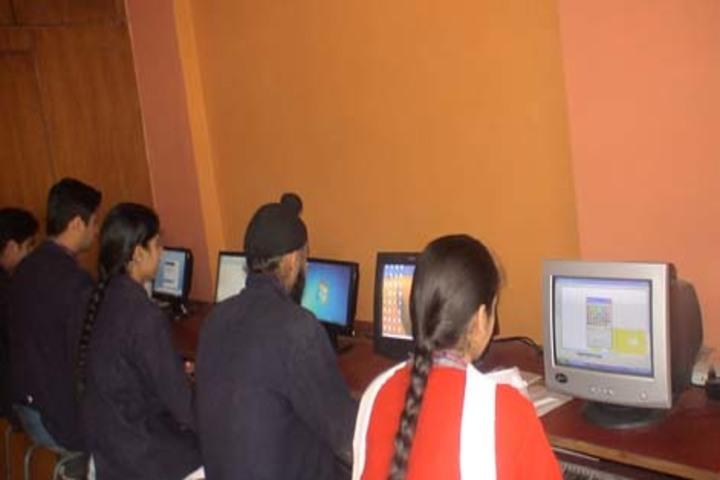 Tiny Tots Higher Secondary School-Computer Lab