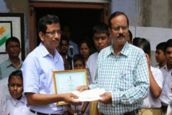 Kalna Maharajas High School-Award