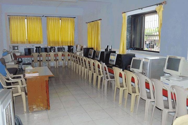 Holy Cross English School-Computer Labs