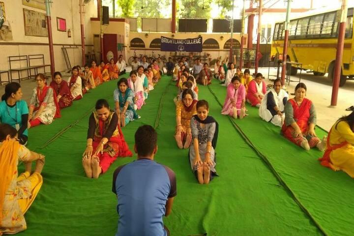 Brightland School-Yoga