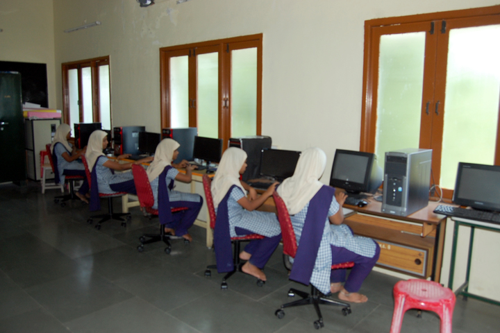 Crescent College of Education for Women-Computer Lab