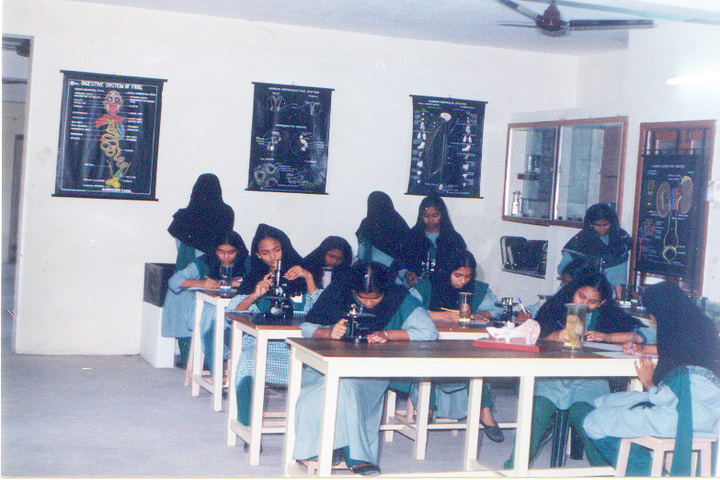 Crescent College of Education for Women-Science Lab