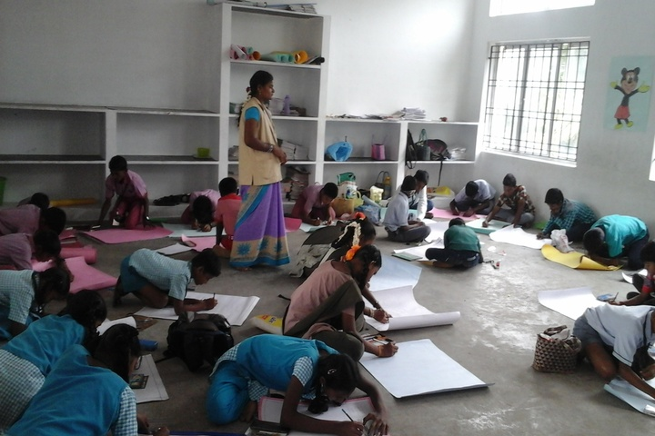 Chinmaya Vidyalaya-Drawing Activity