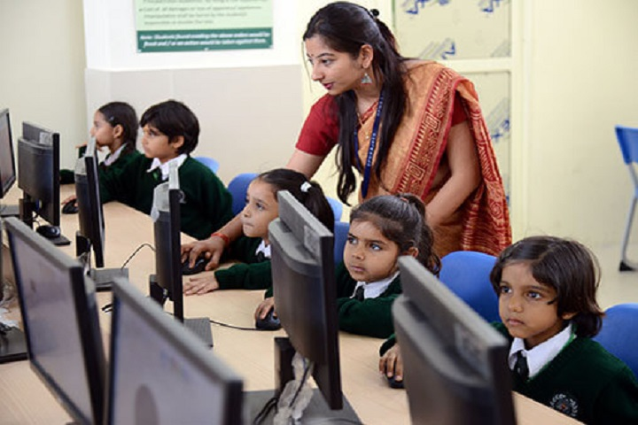 Delhi Public World School-Computer Lab
