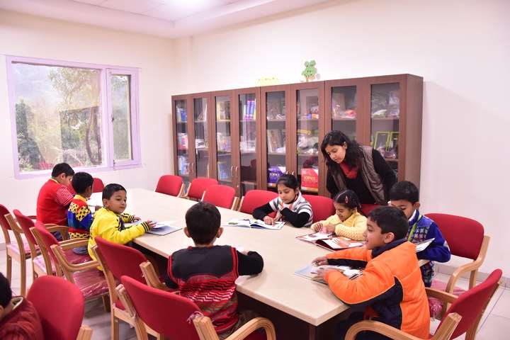 GD Goenka Public School-Library