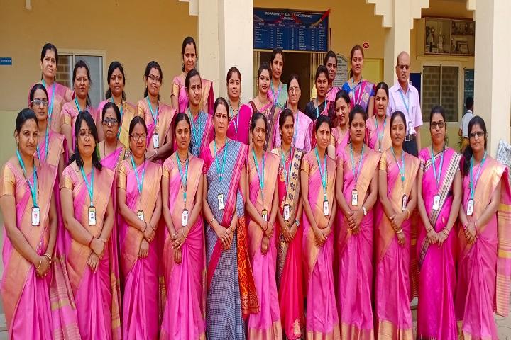 Maharishi Vidya Mandir-Staff Group Photo