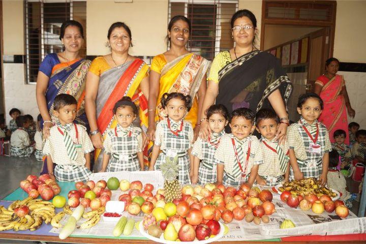 Montfort School-Fruits Day