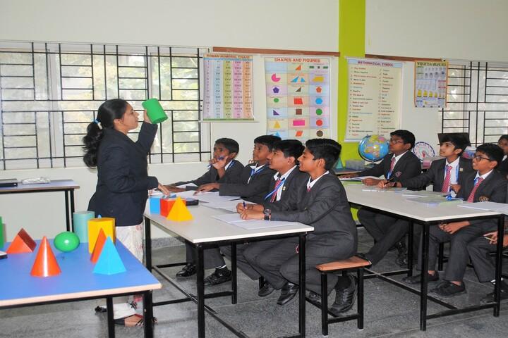 Wisdom Montfort International School-Maths Lab