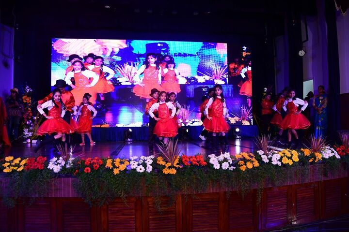 Narayana e Techno School-Dance