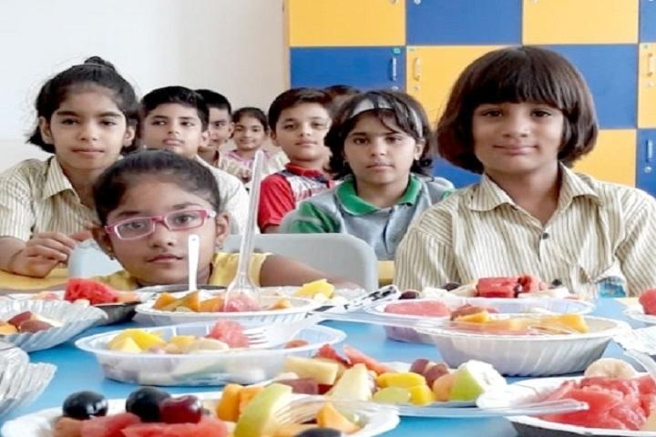 Narayana e Techno School-Fruit Salad Making