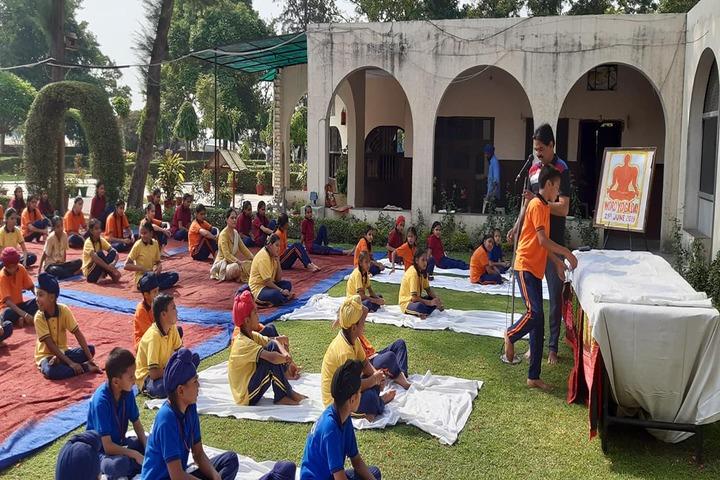 BBD DAV Public Senior Secondary School-Yoga Activity