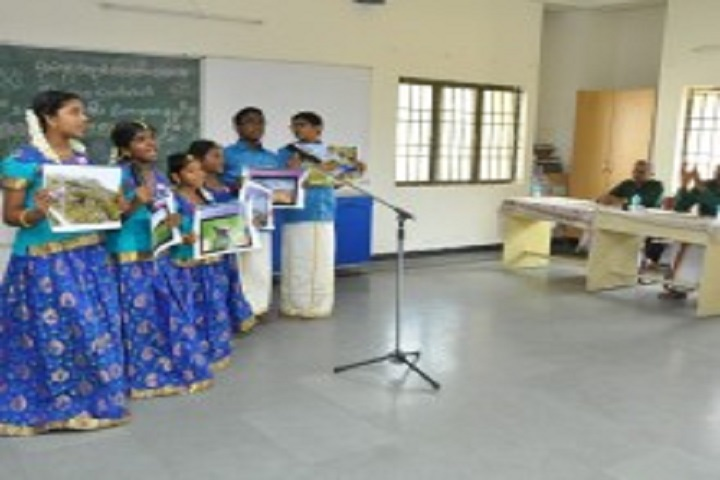 Shree Niketan Matric Higher Secondary School-Group Singing