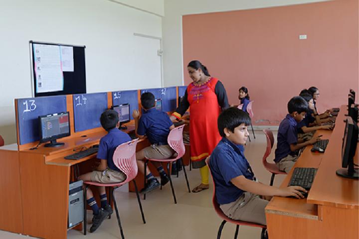 Indus World School-Computer Lab
