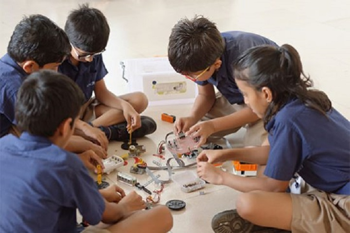 Indus World School-Robotics