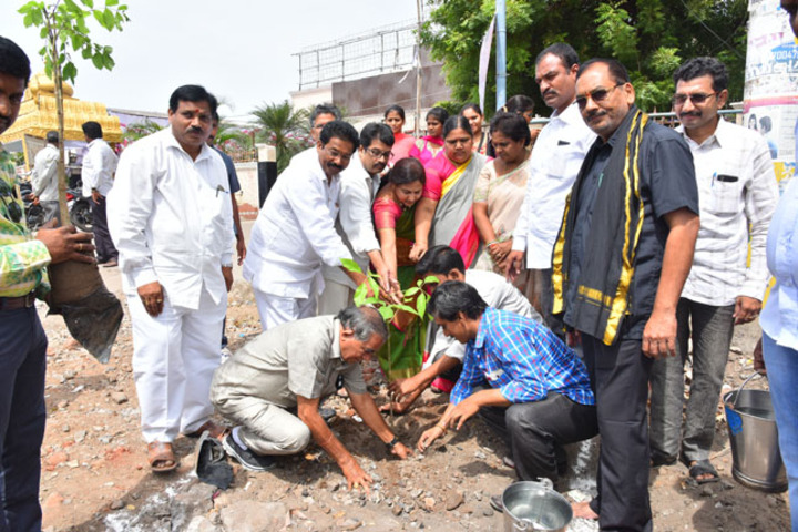 Abhyudaya Mahila Junior College-Plantation