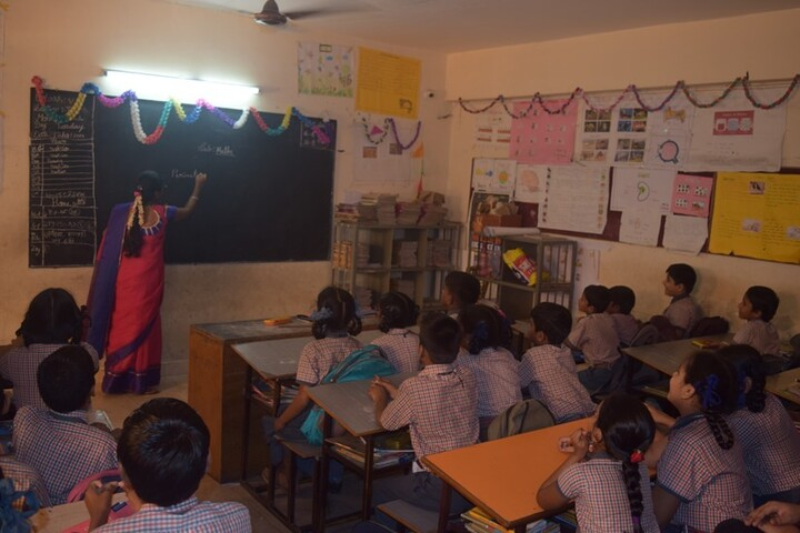 Vijayam Junior College-Classroom