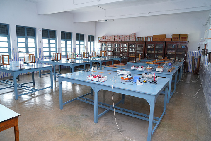 St Josephs Junior College for Girls-Physics Lab