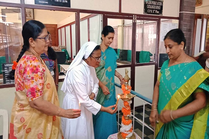 St Theresas College-Lighting The Lamp