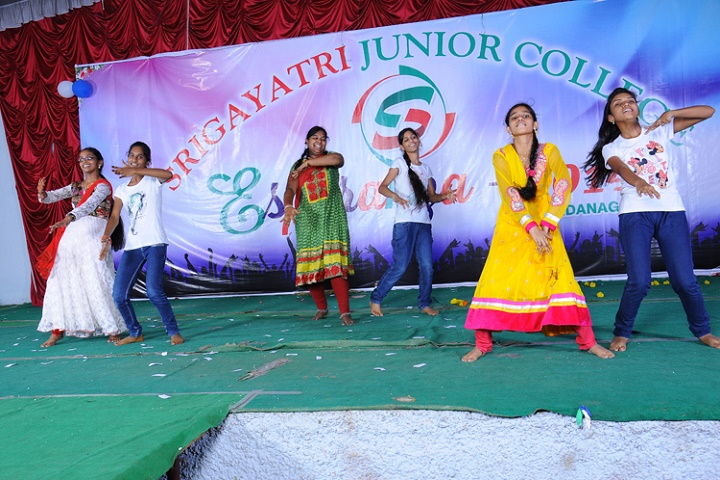 Sri Gayatri Junior college-Dance