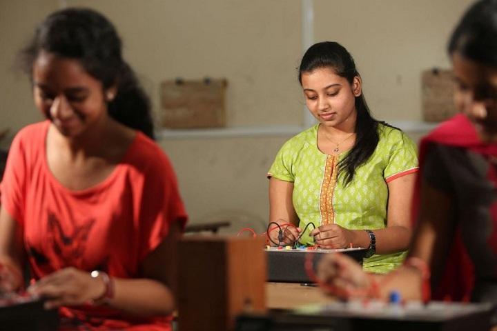 Sri Chaitanya Junior College-Physic Lab
