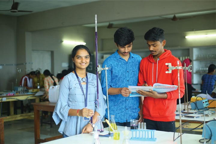 Sree Chaitanya Junior College-Chemistry Lab
