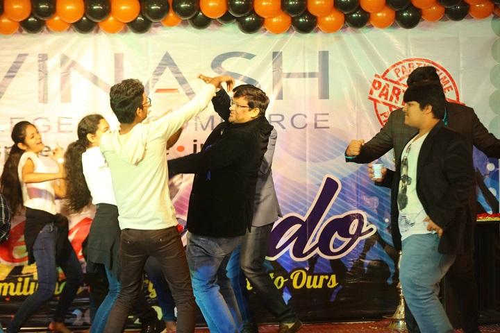 Avinash College of Commerce-Group Dance