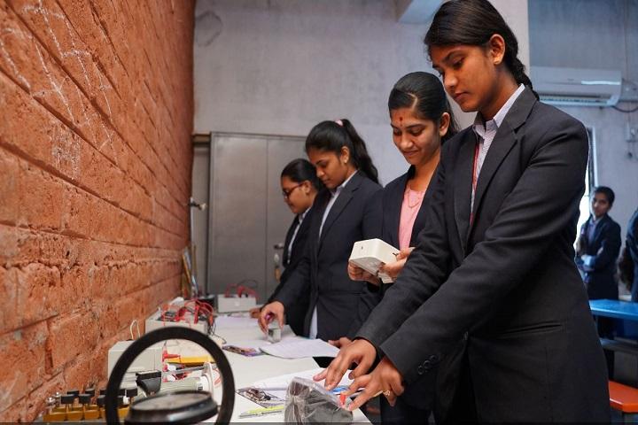 Dhruva Girls Junior College-Chemistry Lab