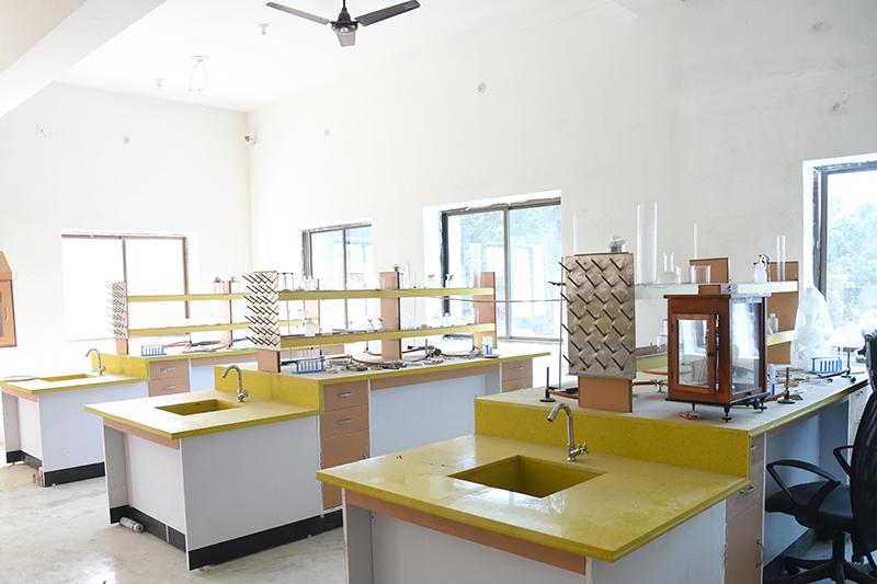 Alok Bharati Shikshan Sansthan: labs